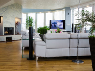 antická zemina v bleděmodrém odstínu pro obývací pokoj