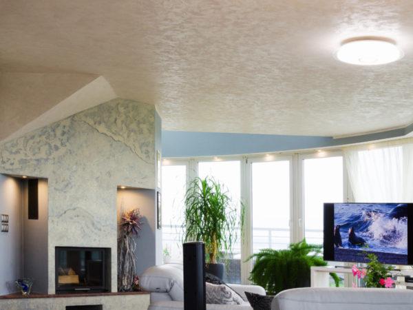 antiská zemina použita na stropě obývacího pokoje