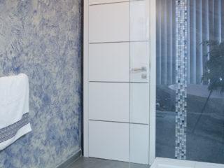 antická zemina byl použita v koupelně klienta v modrém odstínu